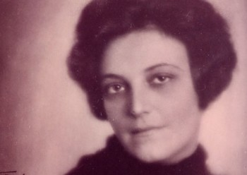 Austrian writer/painter Mela Hartwig's short novel from 1931 portrays a misfit who is at once self-loathing yet keenly arrogant.